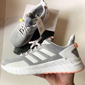 Adidas Questar Ride size 9.5